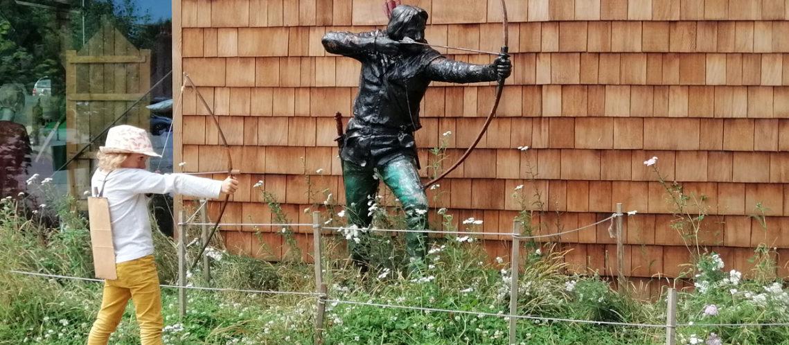 bandeau-lison-statue-robin