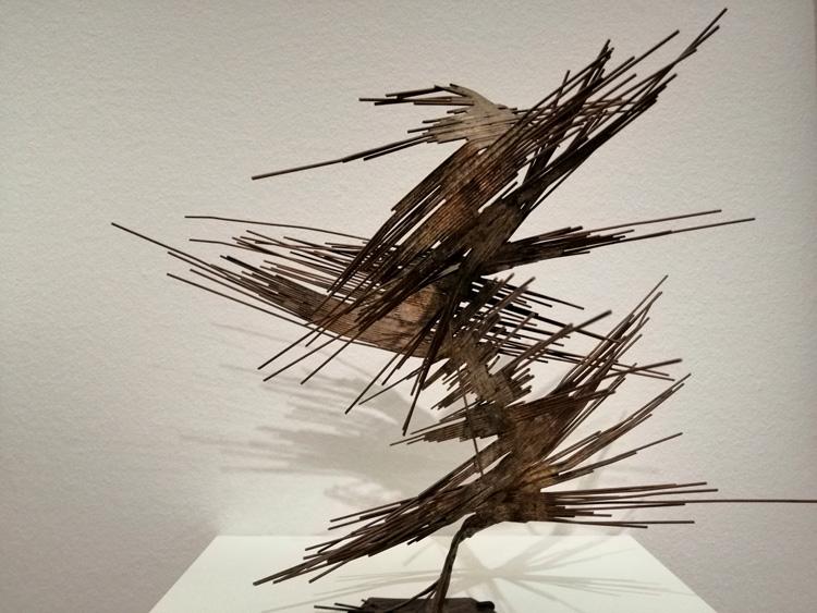 kroller-muller-sculpture-02